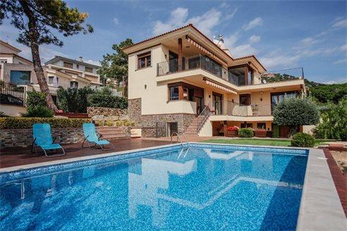 Купить дом в ллорет де мар дубай сколько лететь из москвы в дубай оаэ