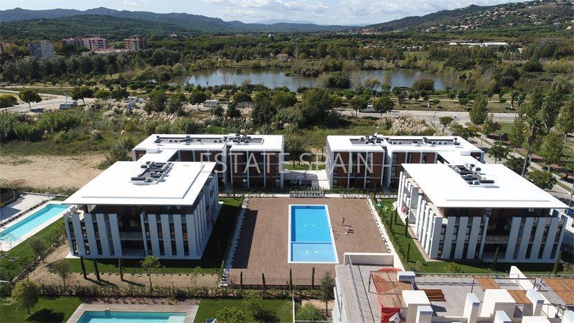 Апартаменты у моря каталонии недвижимость от собственников в дубай