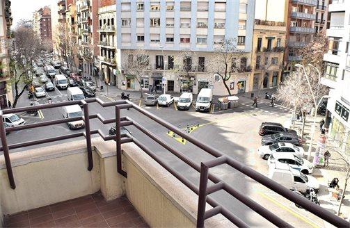Купить квартиру в испании барселона ооо торговый дом рубеж петрозаводск